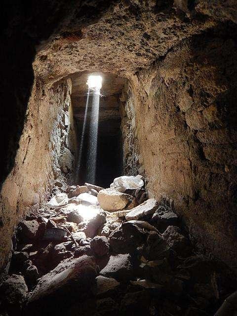 cuevas y canales de drenaje