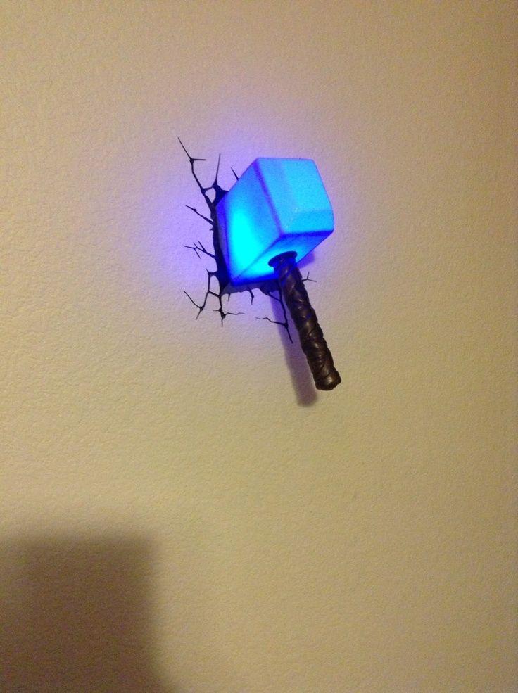 martillo de thor iluminar la casa