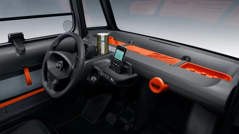 salpicadero volante coche eléctrico