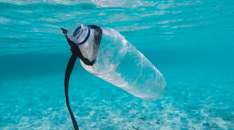 sal contaminada con plásticos