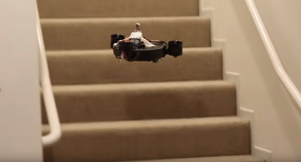 robot aspirador volador