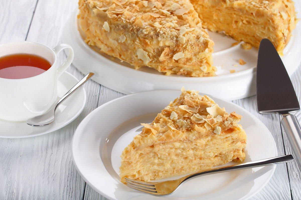 tarta casera con crema pastelera