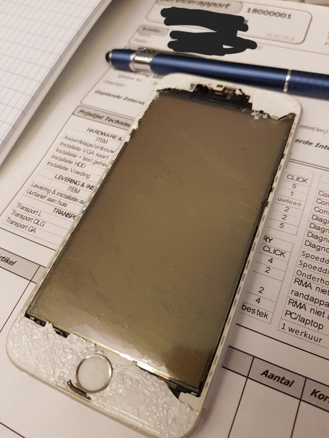 iphone carcasa rota
