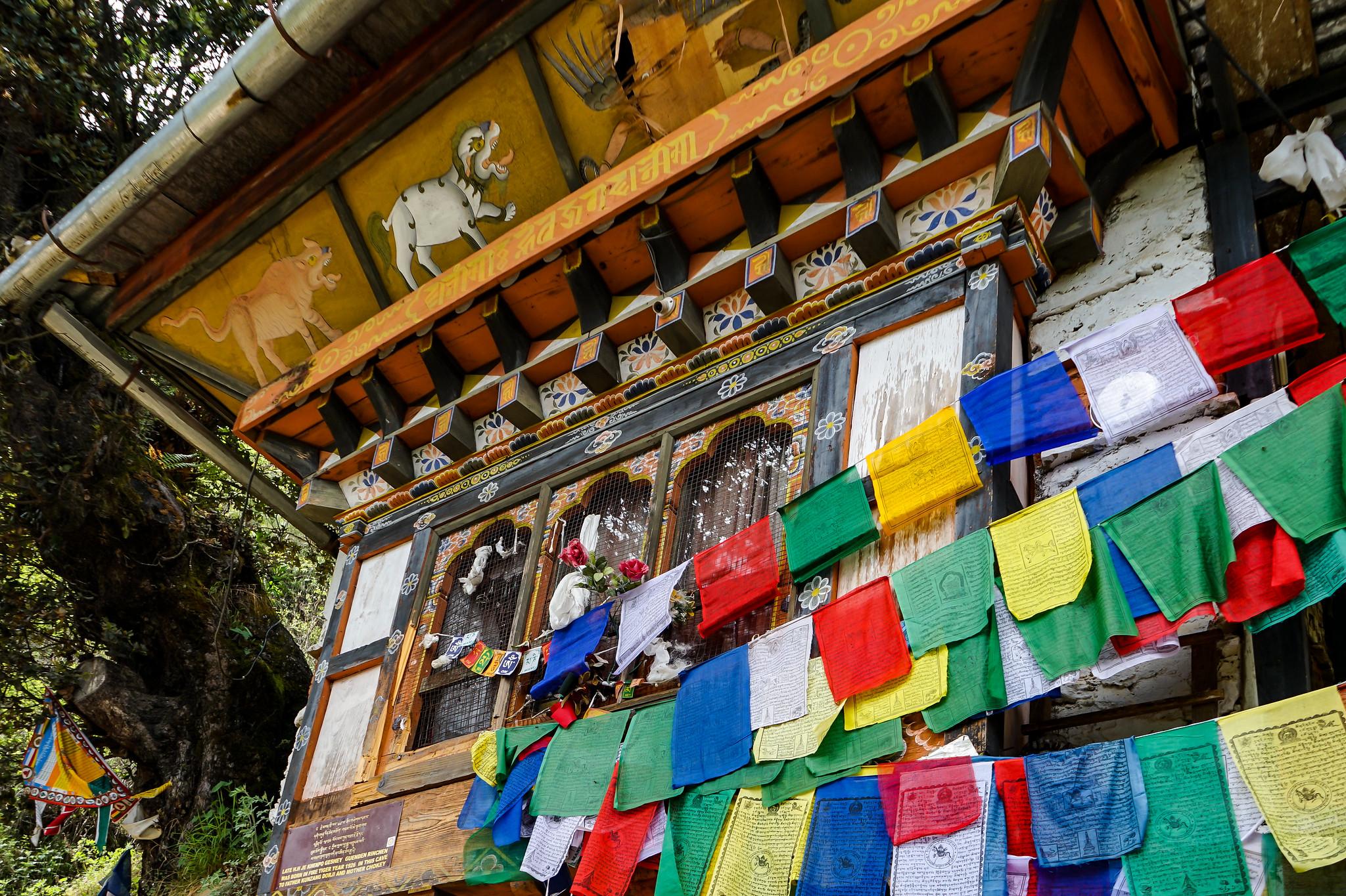 templos preciosos budistas en bután