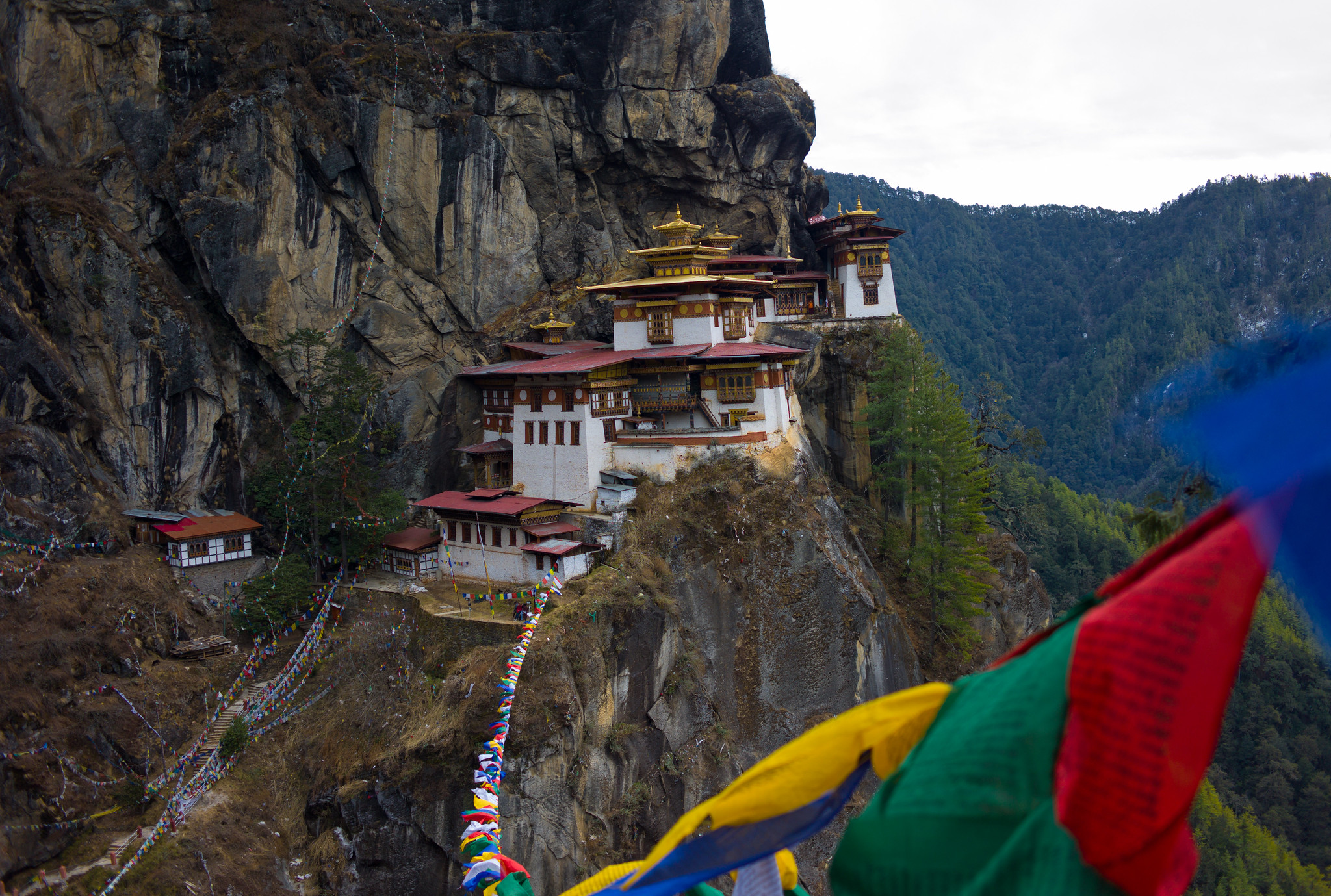 templos preciosos en bután