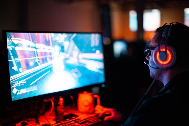 gamer jugando