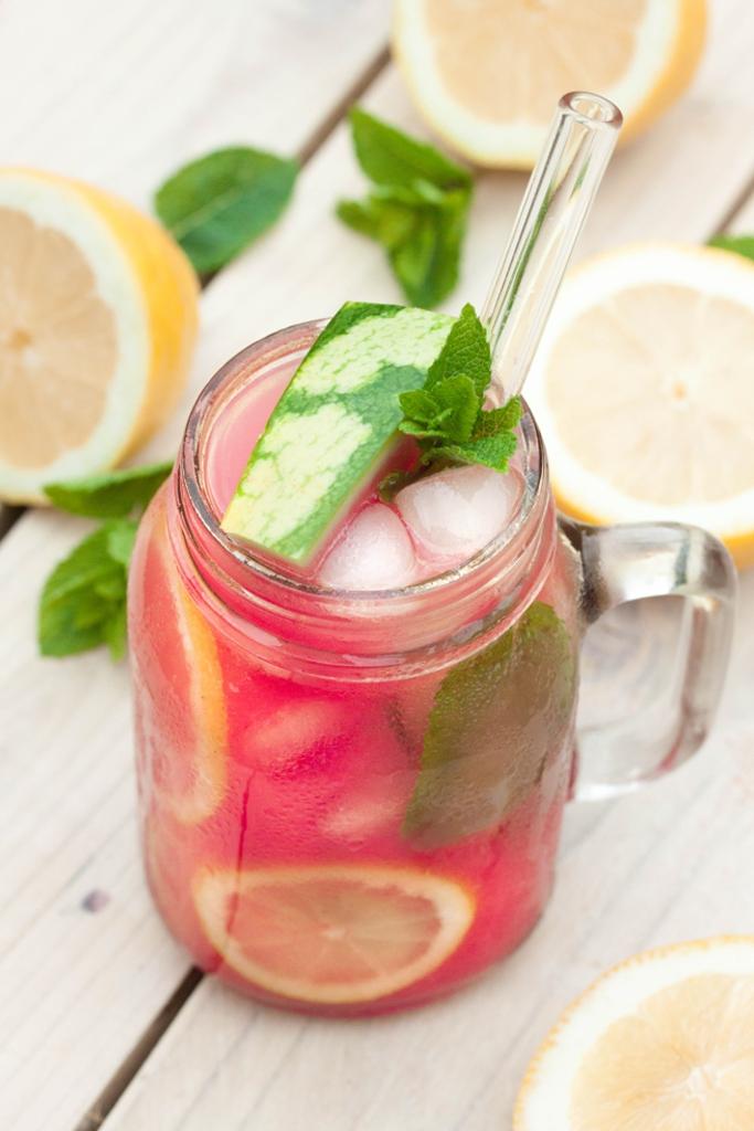 Limonada de sandía bebida casera