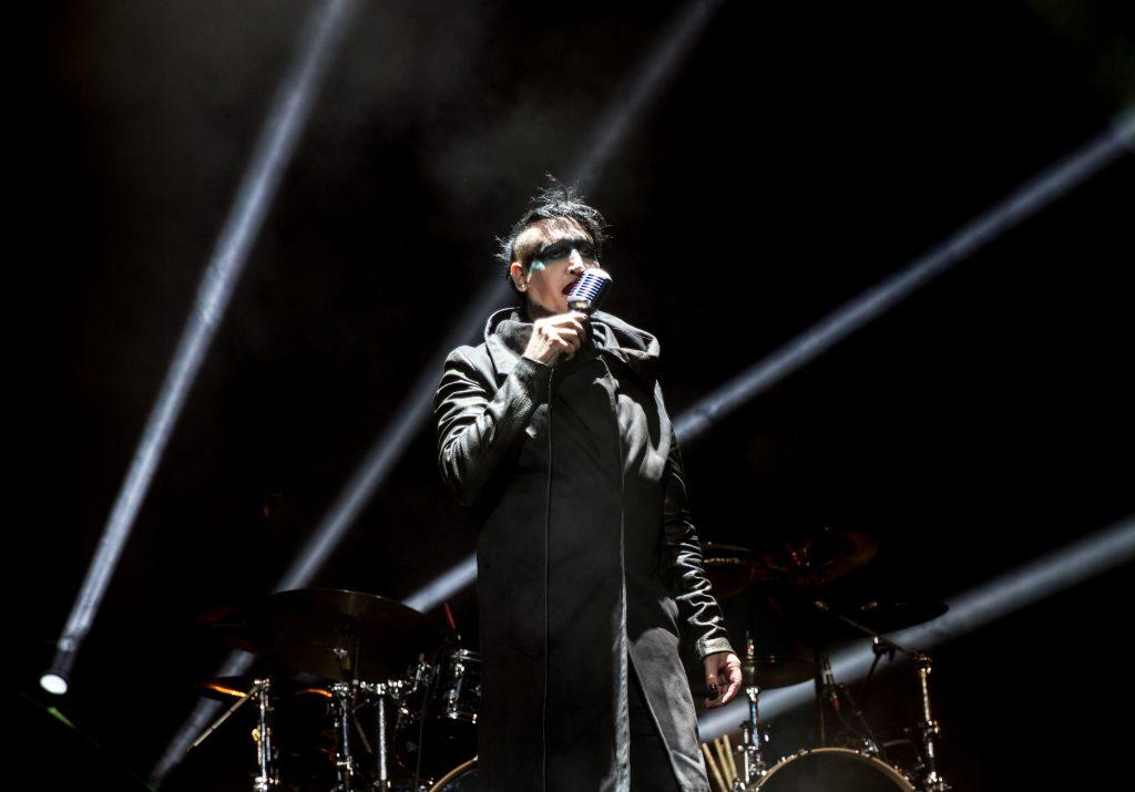 Marilyn Manson Cantando