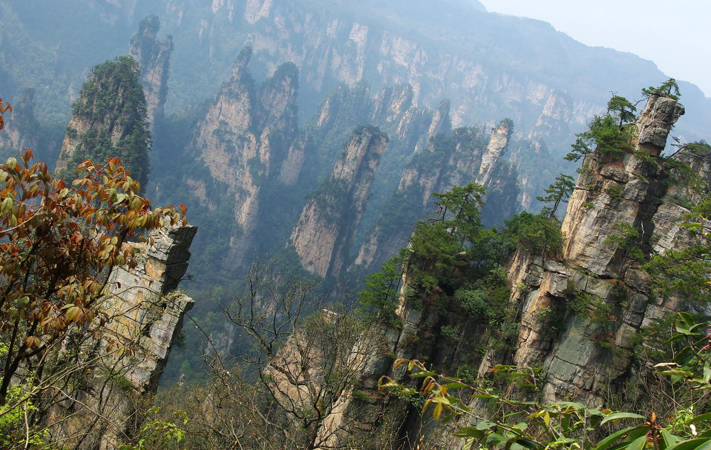 montañas columnas piedra