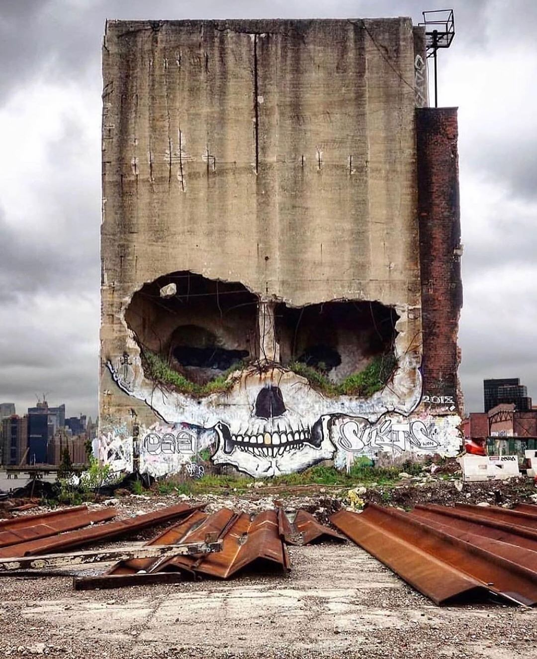 calavera graffiti