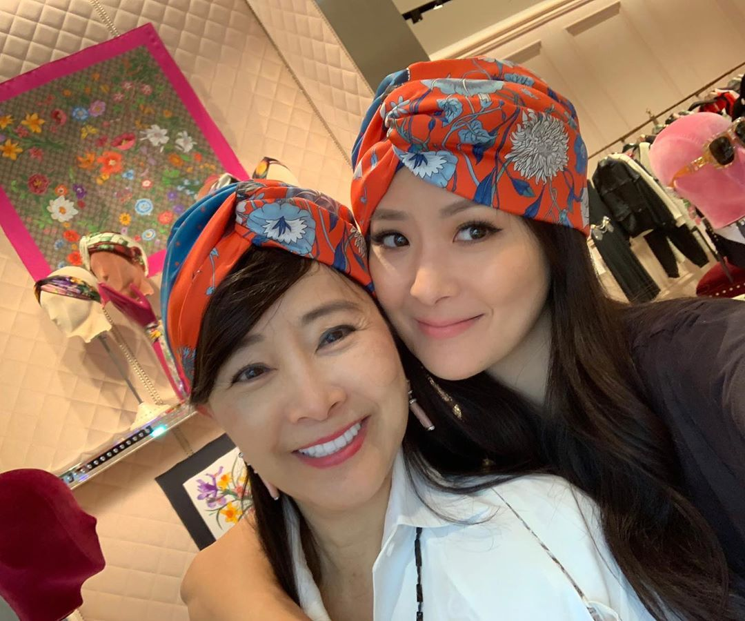 aimee yun yun sun y madre