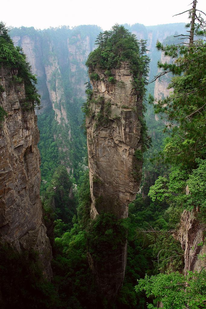 montaña columna piedra