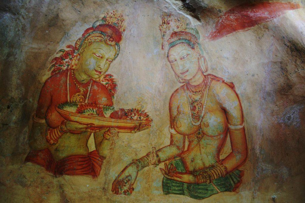 Murales mujeres fortaleza antigua