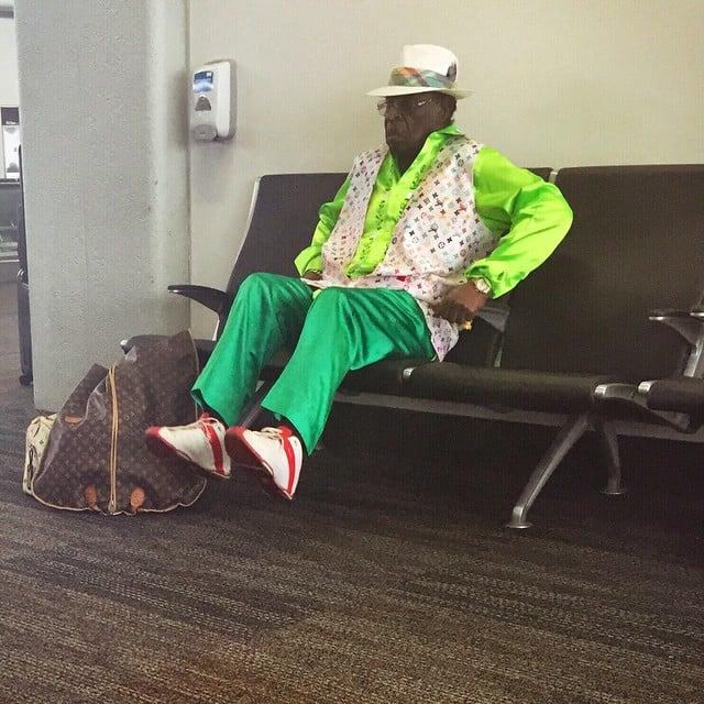 Señor esperando padres outfits terribles