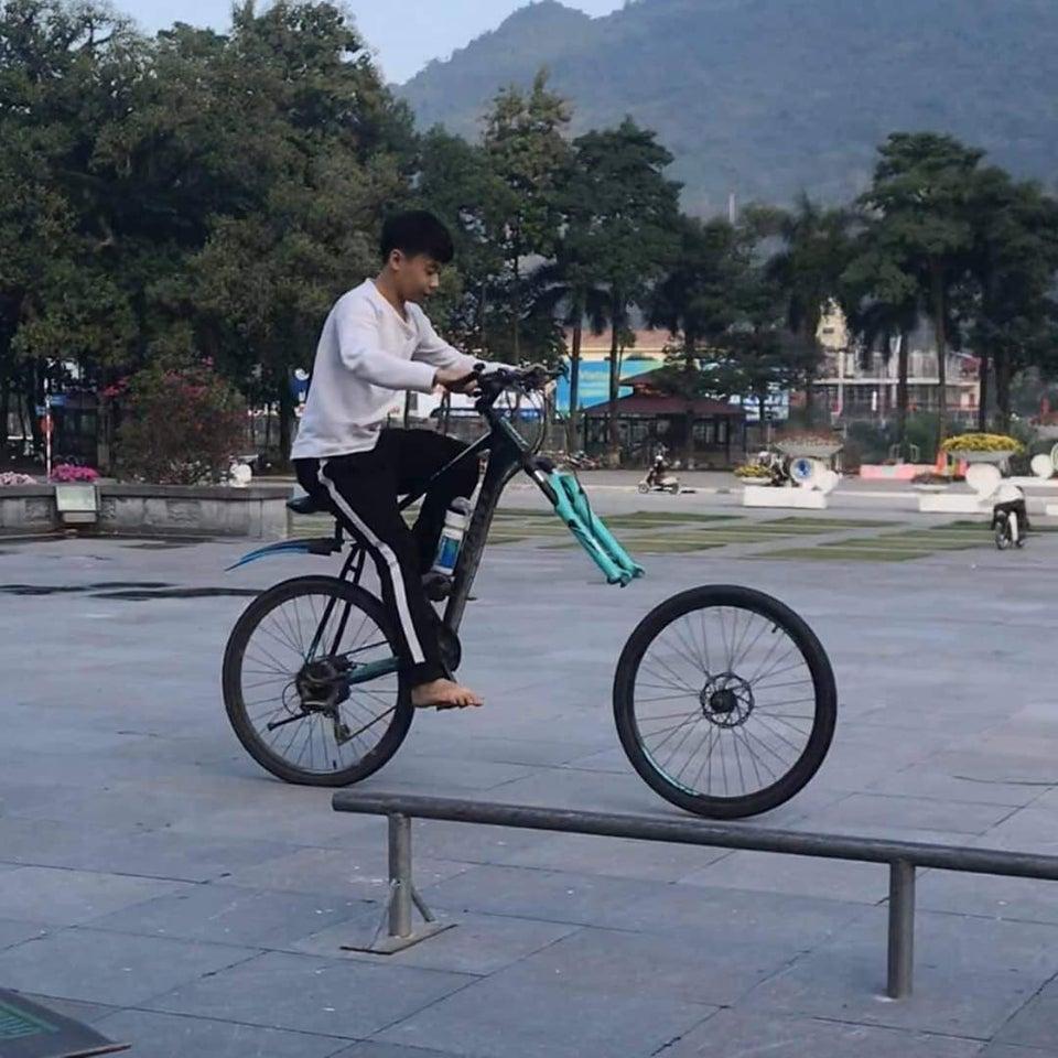 bici pierde la rueda