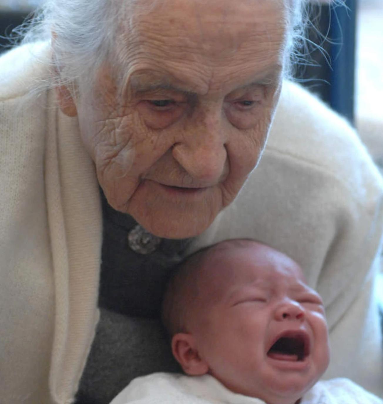 leila con bebé