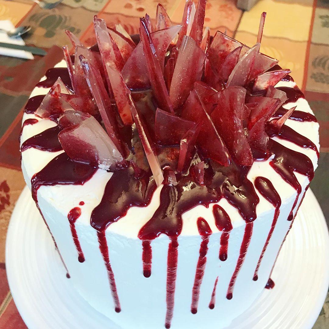 Tarta cristales y sangre