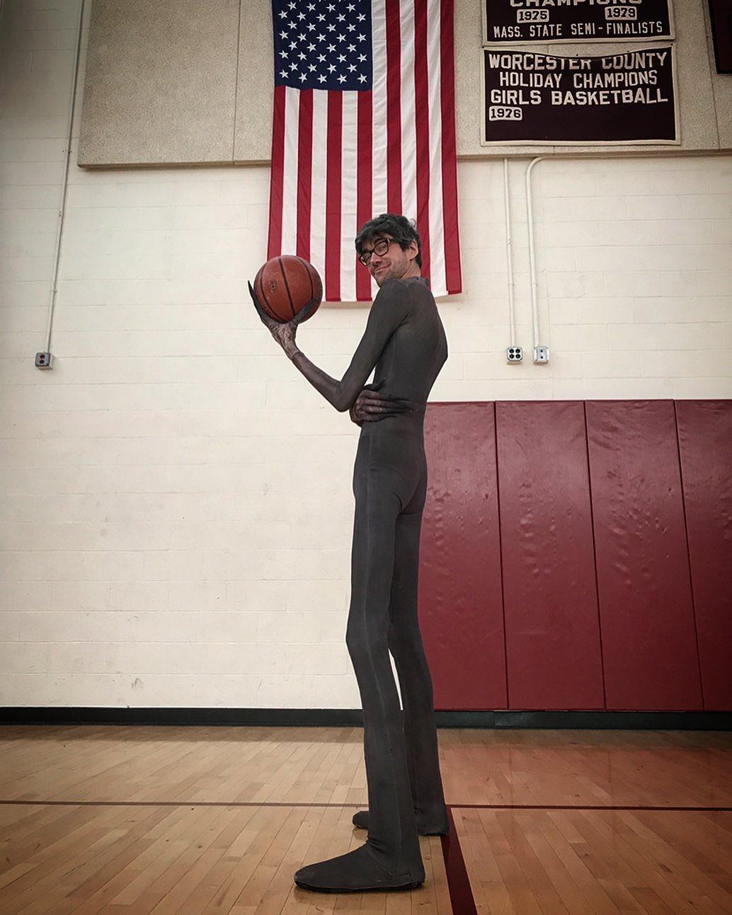 Javier Botet jugando al baloncesto