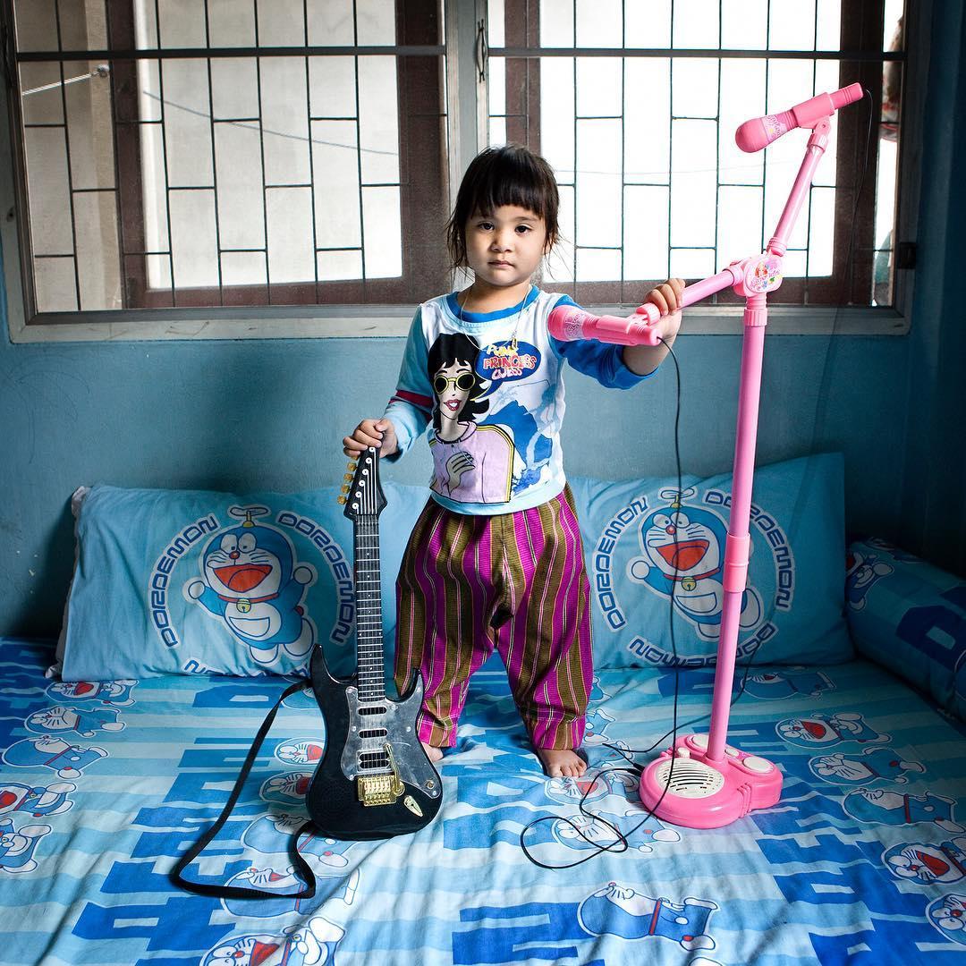 guitarra y micro de juguete