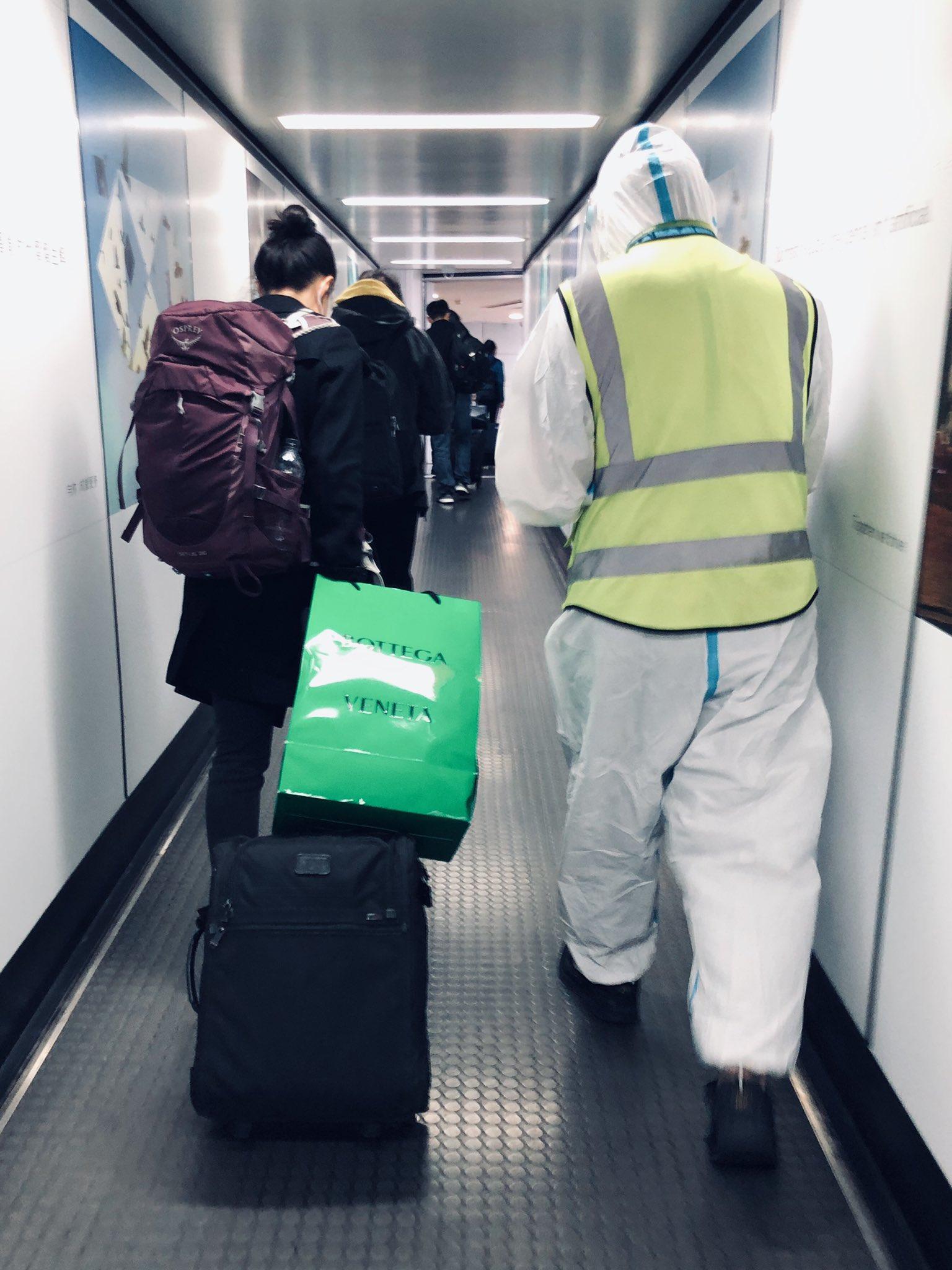 abandonando el avión