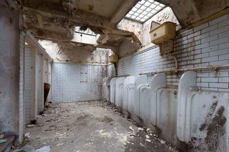 baño derruido
