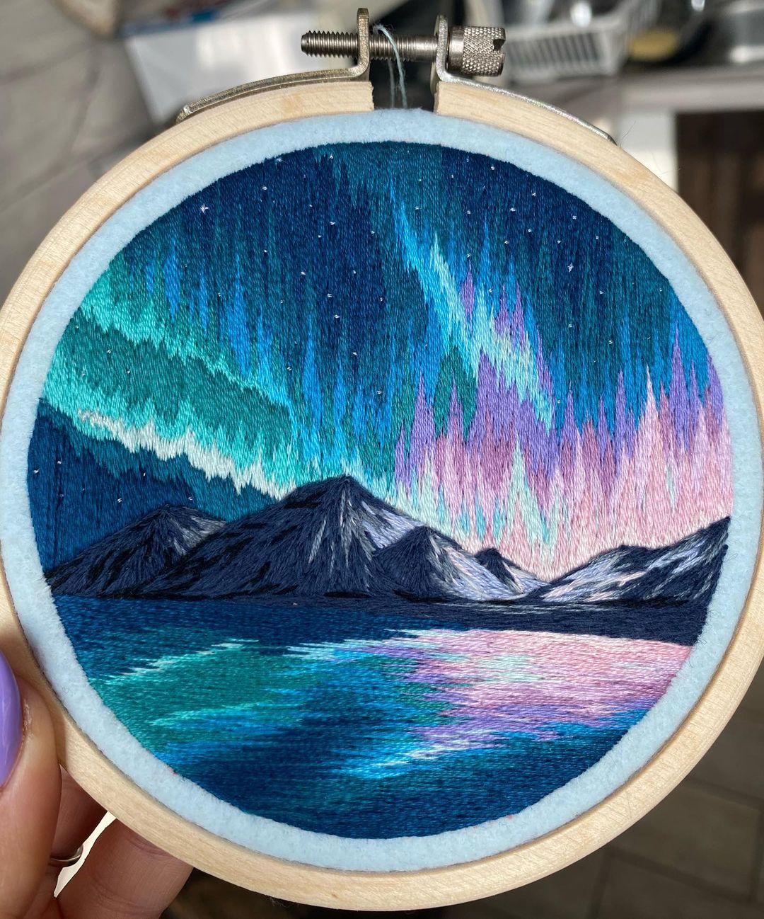 aurora boreal en bordado