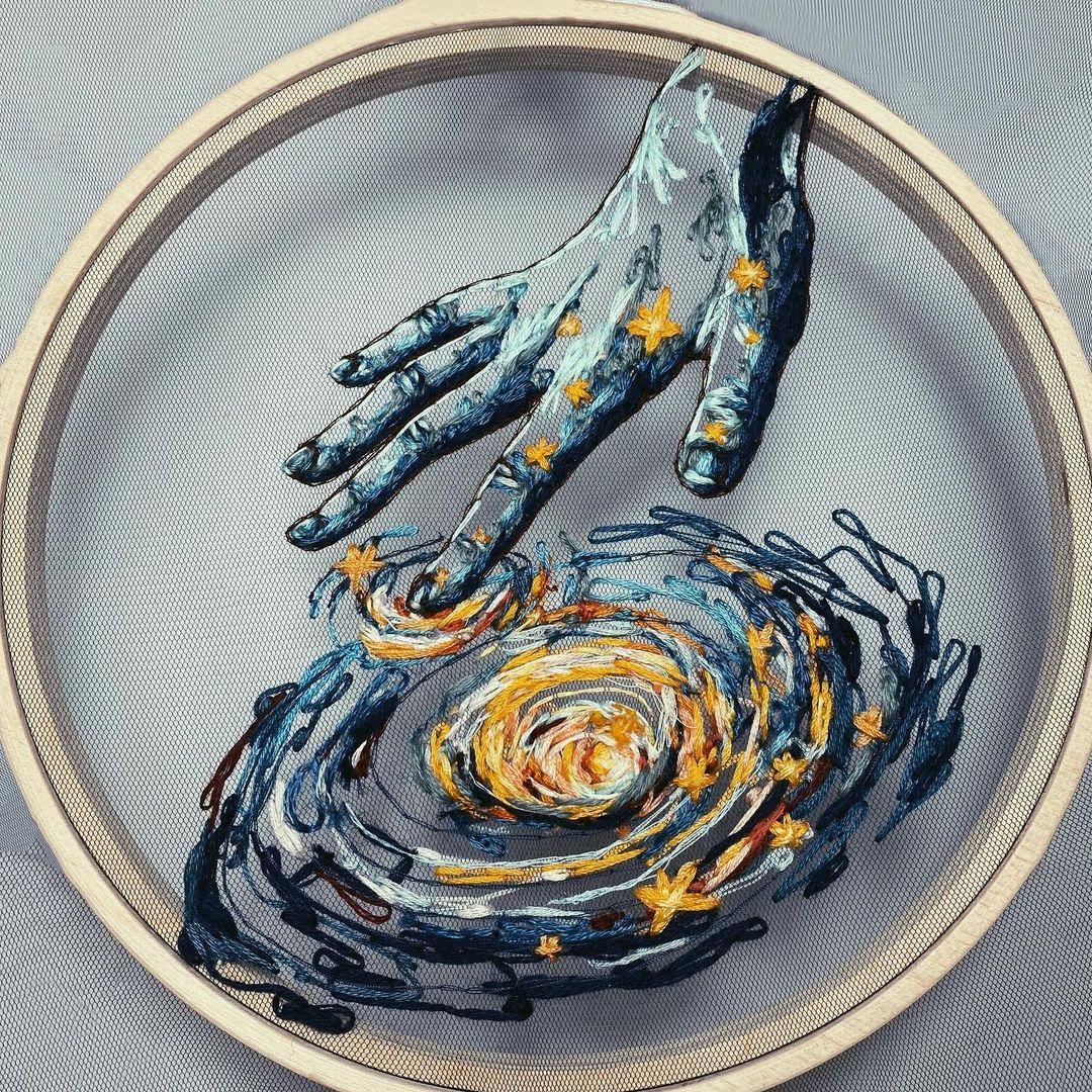 bordado de una mano