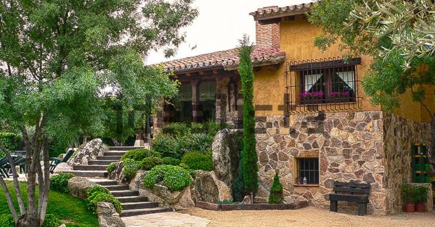 exteriores de la casa de Pablo Iglesias