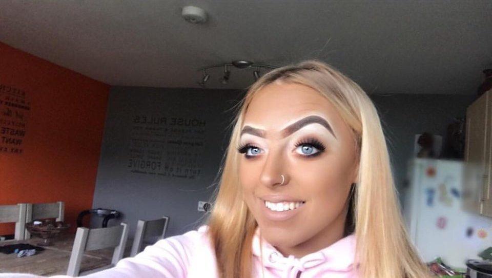 cejas maquilladas