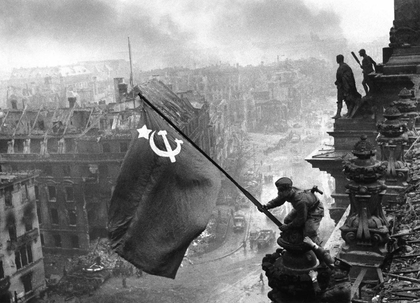 foto rusos sobre el reichstag