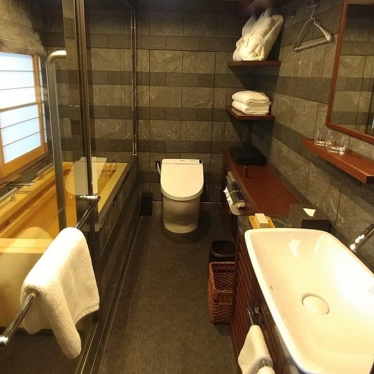 baño de tren de lujo