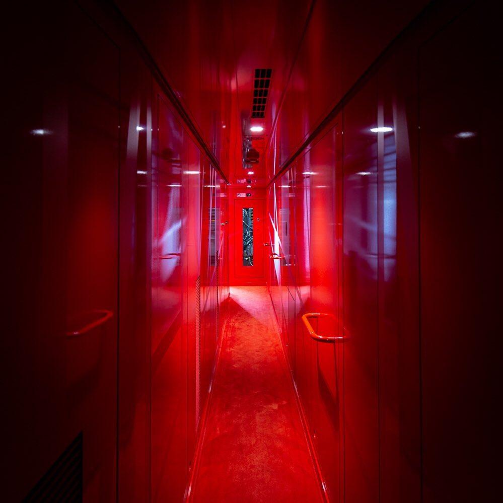 pasillo rojo