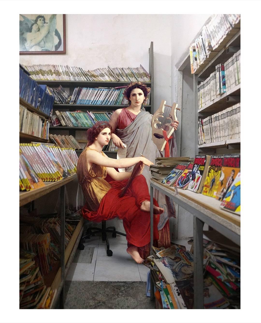 chicas renacentistas en tienda de cómics