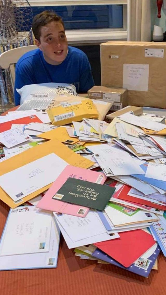 autista recibe cartas