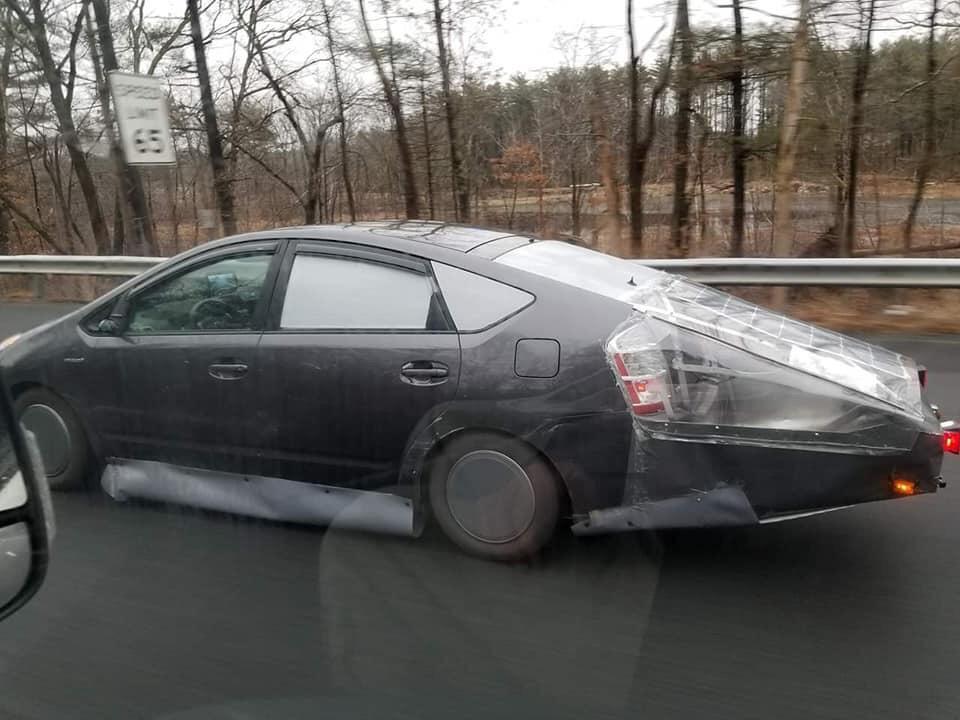 coche tuneado horriblemente
