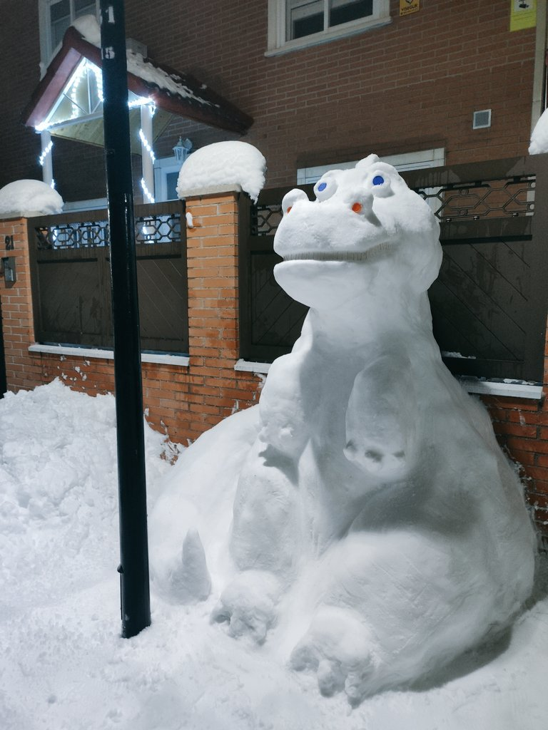 dinosaurio de nieve