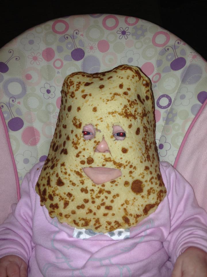 bebé con crepe en la cara