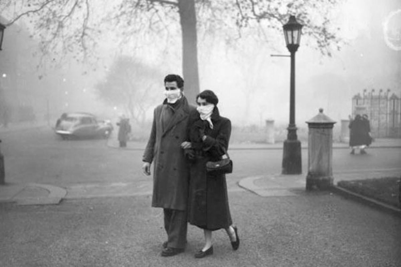 pareja niebla