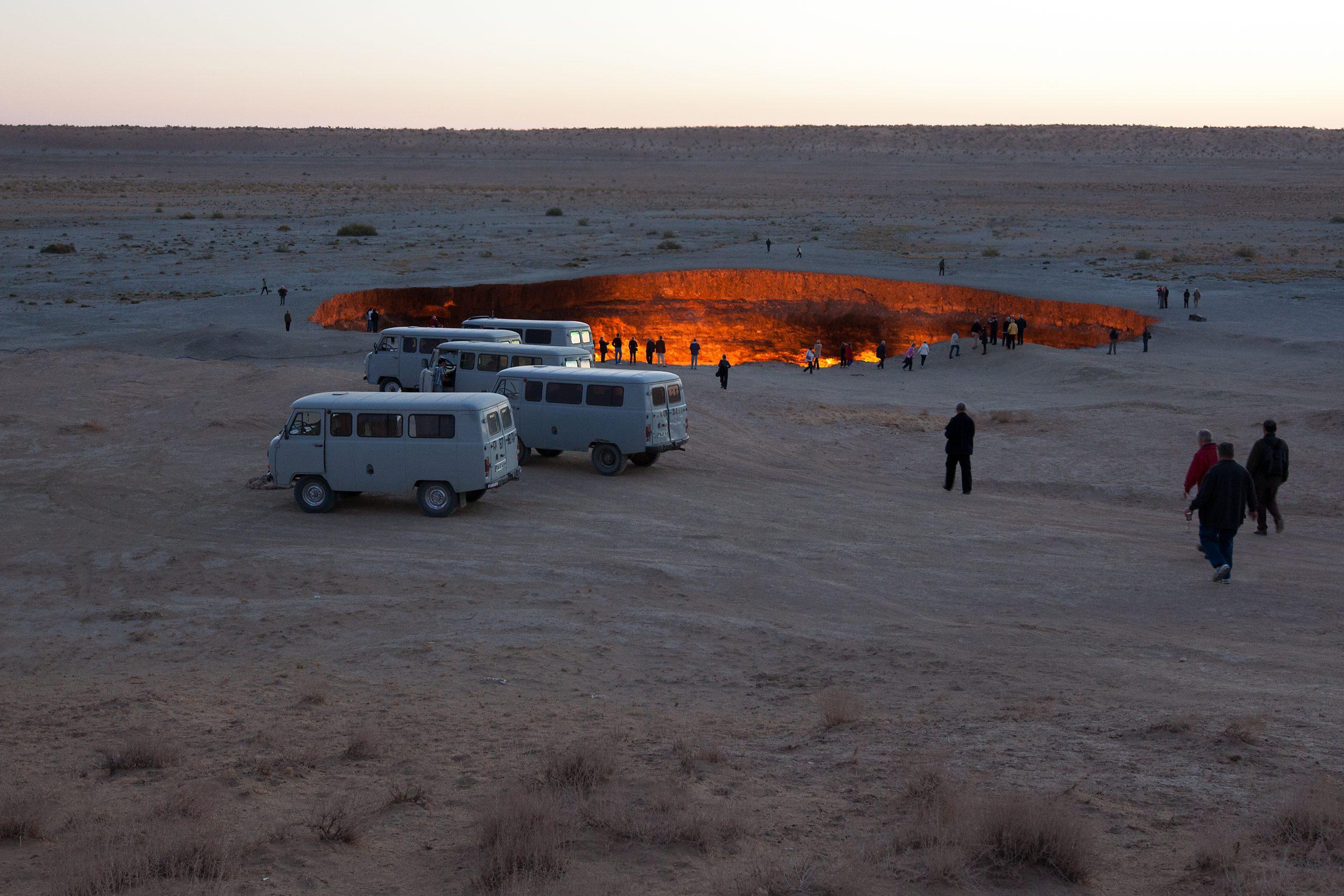 puertas infierno turistas