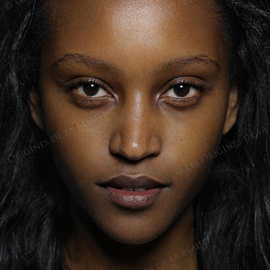 mujer ruanda
