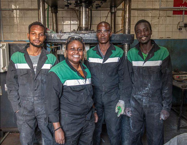 trabajadores plasticoF