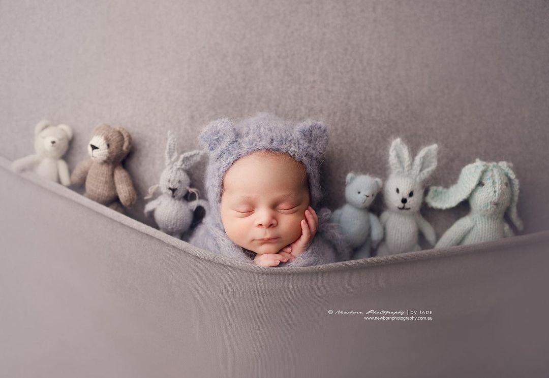 bebé vestido de osito