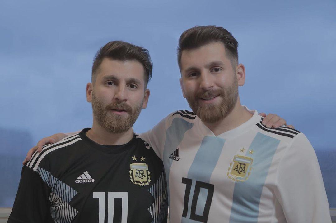 Reza Parastesh con Lionel Messi