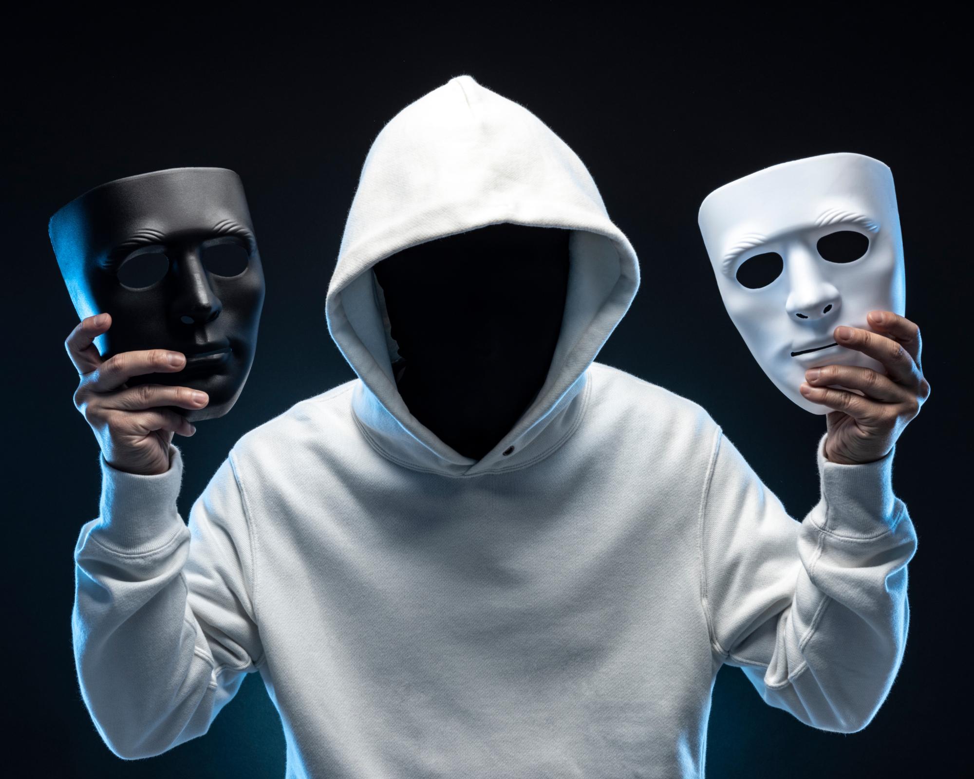 mascaras negra y blanca