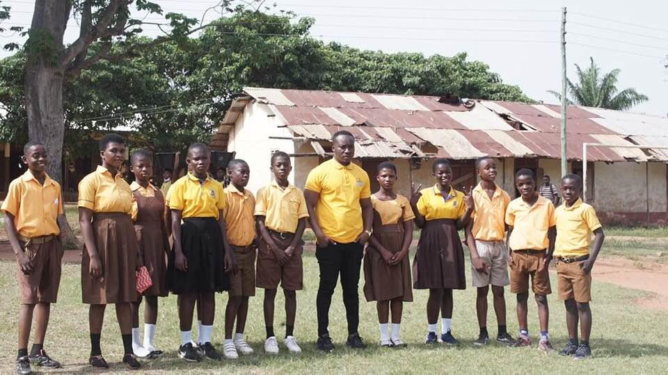 Owura Kwadwo y su clase