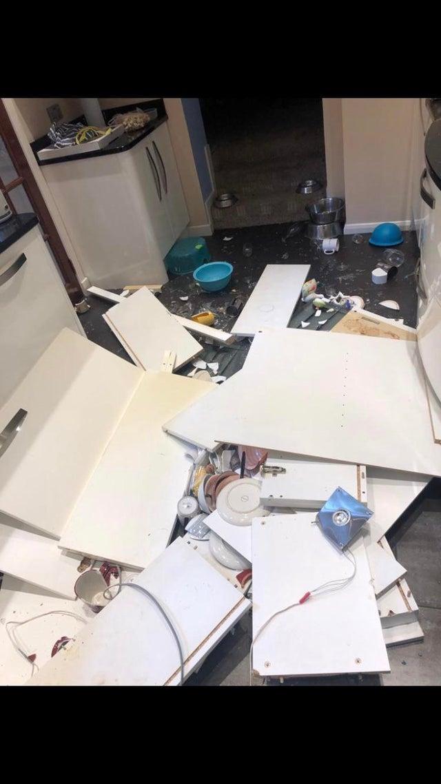 gabinetes de la cocina caídos