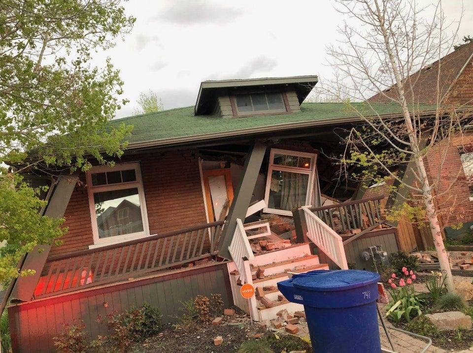 casa medio derrumbada