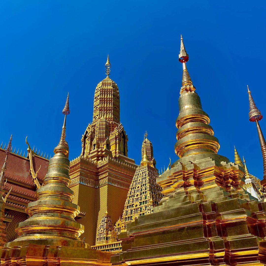 palacio budista dorado