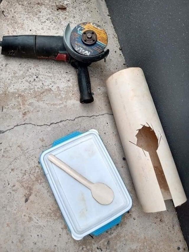 cuchara improvisada con tubería de PVC