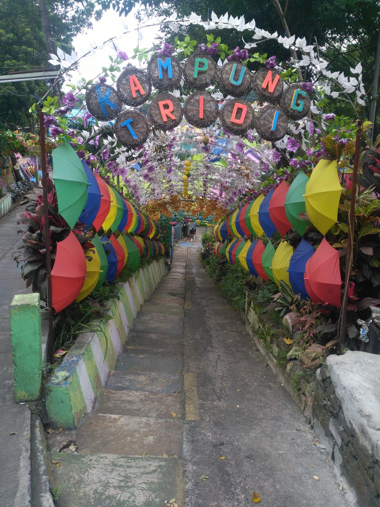 calle de paraguas
